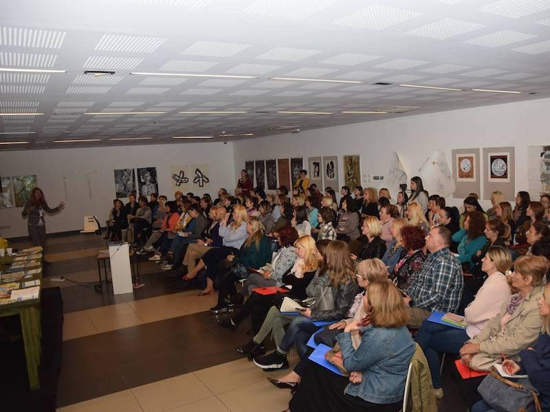 """Predstavljanje rezultata istraživanja """"Bezbedan internet za celu porodicu"""" u Novom Sadu"""